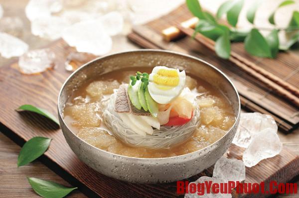 Ăn gì khi du lịch Hàn Quốc? Mì lạnh món ăn truyền thống ở Hàn Quốc