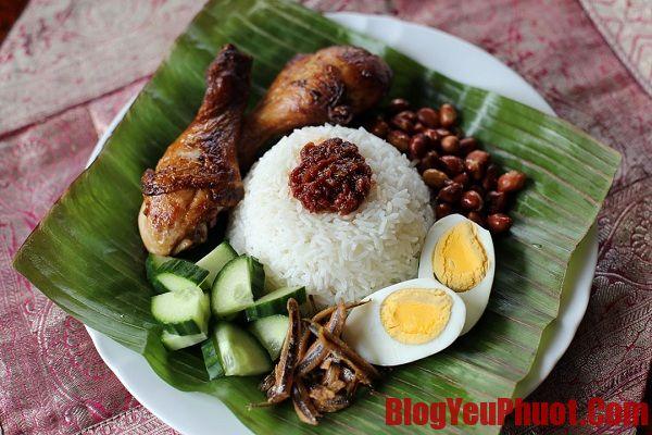 Ăn gì khi du lịch Malaysia? Nasi lemak món ăn truyền thống của Malaysia