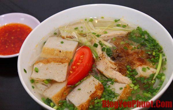Những quán bún chả cá ngon nức tiếng Đà Nẵng. Du lịch Đà Nẵng nên ăn món gì?
