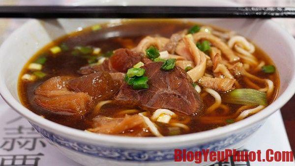 Món ăn mì thịt bò đặc sản Đài Loan. Ăn gì khi du lịch Đài Loan