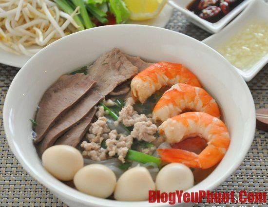Ăn gì khi du lịch Sài Gòn? Quán hủ tiếu Nam Vang nổi tiếng, ngon rẻ ở Sài Gòn