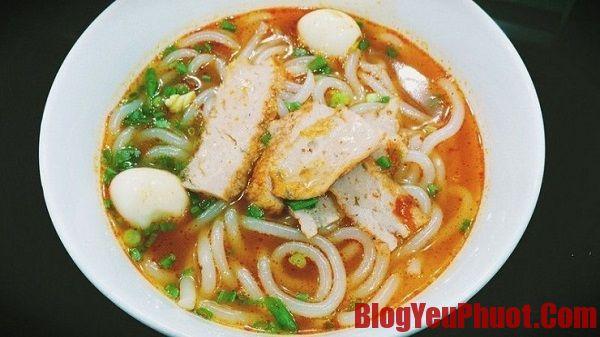 Quán bánh canh siêu ngon ở Nha Trang ăn hoài không chán