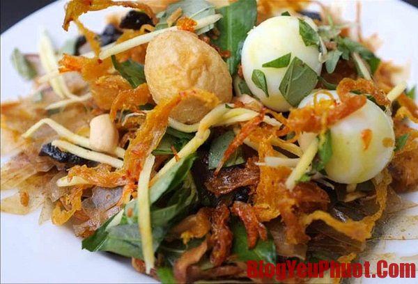 Địa chỉ ăn bánh tráng trộn ngon nhất ở Sài Gòn. Du lịch Sài Gòn nên ăn món gì ngon?