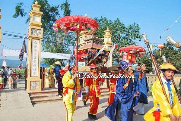 Địa điểm tham quan đẹp ở Đà Nẵng: Địa điểm phượt nổi tiếng giá rẻ ở Đà Nẵng
