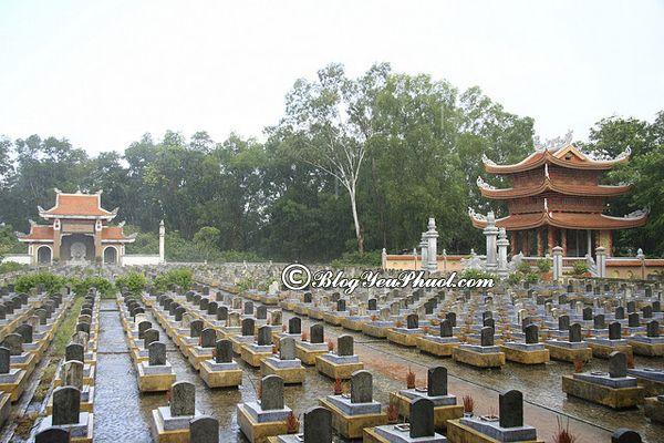 Đến đâu khi du lịch Quảng Trị? Nghĩa trang liệt sỹ Trường Sơn, tư vấn lịch trình tham quan, khám phá Quảng Trị