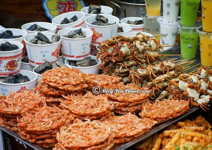 Ẩm thực ở Phượng Hoàng cổ trấn rất phong phú: Kinh nghiệm ăn uống khi đi du lịch Phượng Hoàng Cổ Trấn và tư vấn món đặc sản ngon, bổ, rẻ ở Phượng Hoàng Cổ Trấn