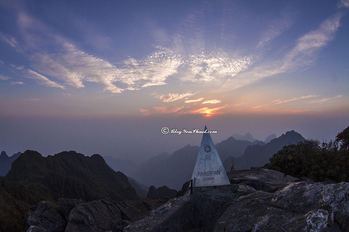 Phượt những ngọn núi đẹp nhất Việt Nam- đỉnh Fansipan: Nên đi chinh phục những ngọn núi nào ở Việt Nam đẹp, hấp dẫn nhất?