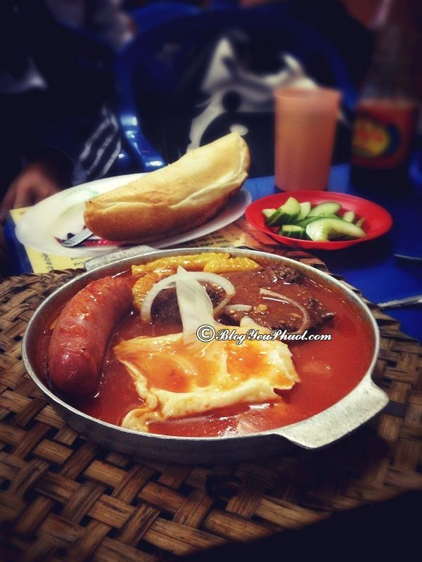 Những quán bánh mỳ chảo ngon rẻ ở Hà Nội: Ăn bánh mì chảo ở đâu Hà Nội ngon, nổi tiếng?