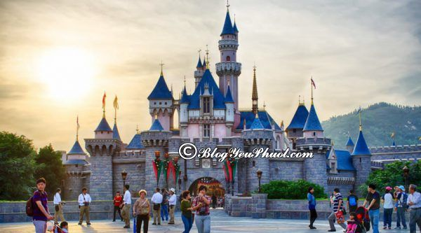 Kinh nghiệm đi Disneyland Hong Kong- Đến Disneyland Hong Kong vào thời điểm nào?