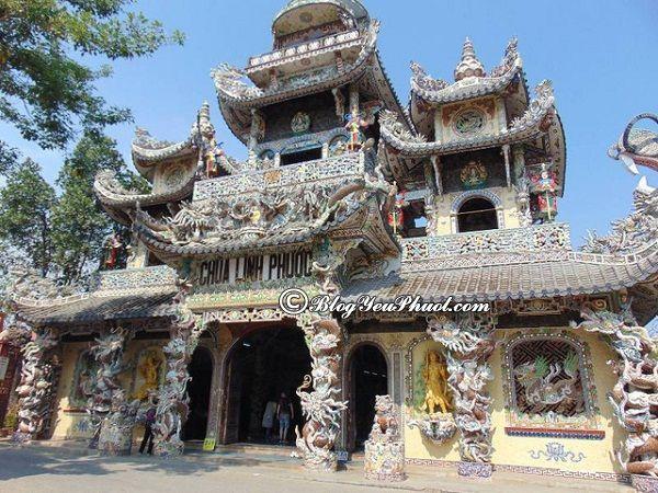 Tour du lịch Lâm Đồng giá rẻ: Chùa Linh Phước là địa điểm du lịch nổi tiếng ở Lâm Đồng