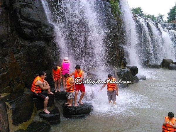 Chơi gì khi đến thác Đá Hàn? Trải nghiệm cảm giác tắm thác Đá Hàn, hướng dẫn đi phượt Thác Đá Hàn