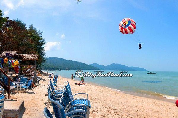 Có nên ở khu Batu Feringghi khi đi du lịch Penang? Tư vấn đặt phòng khách sạn ở Penang giá rẻ, vị trí thuận tiện