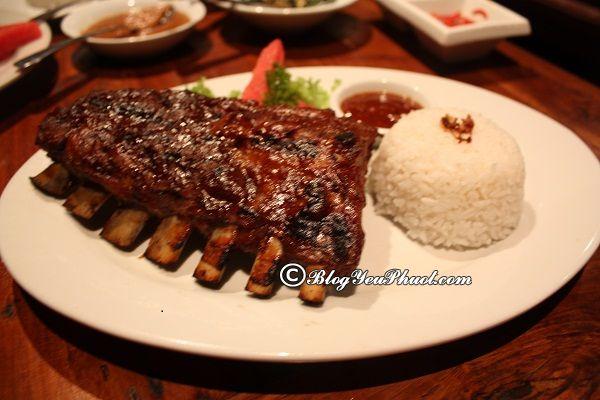Ăn gì khi du lịch Bali?- BBQ Pork Ribs: Địa chỉ ăn uống ngon, bổ, rẻ ở Bali đông khách nhất