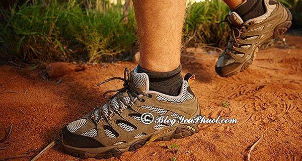 Cách lựa chọn giày leo núi, trekking: Kinh nghiệm chọn giày đi leo núi, trekking an toàn, chuẩn nhất