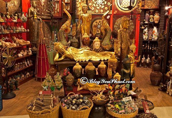 Mua gì làm quà khi du lịch Phuket? Chợ đêm Phuket bán những mặt hàng gì?