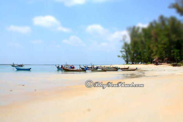 Những bãi biển đẹp và nổi tiếng ở phuket: Du lịch Phuket đi đâu tắm biển?