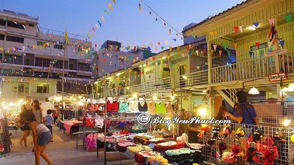 Địa chỉ mua sắm giá rẻ khi du lịch Hua Hin: Địa điểm mua sắm đông vui, nhộn nhịp ở Hua Hin