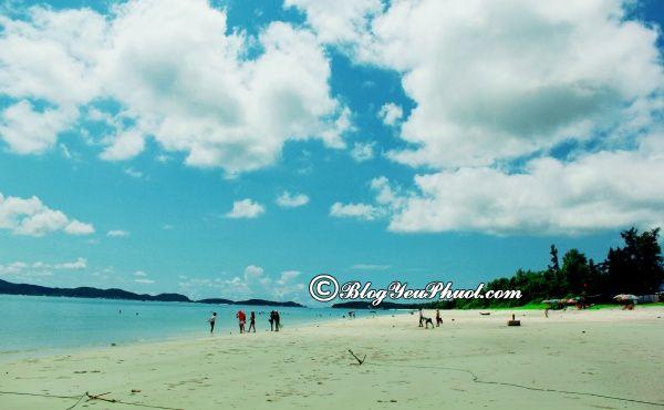 Bãi biển nên thơ ở Quảng Ninh: Những bãi biển đẹp, nổi tiếng, lãng mạn ở Quảng Ninh