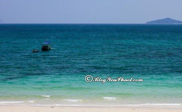 Bãi biển lãng mạn nhất ở Quảng Ninh: Những bãi biển đẹp, nổi tiếng ở Quảng Ninh