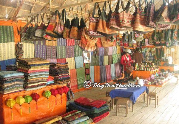 Cửa hàng thổ cẩm thu hút, nên đến ở Sapa: Địa chỉ bán hàng thổ cẩm uy tín, chuẩn, giá rẻ ở Sapa
