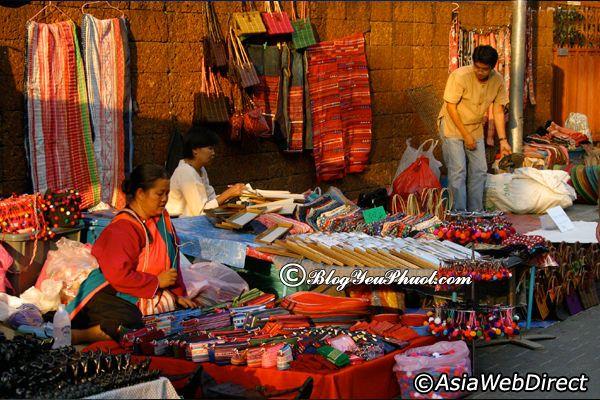 Địa điểm mua sắm nổi tiếngở Chiang Mai: Du lịch Chiang Mai nên đi chợ nào chơi?
