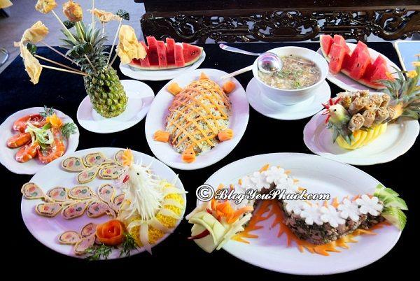 Kinh nghiệm ăn uống khi du lịch Huế? Địa điểm các nhà hàng, quán ăn ngon, nổi tiếng nhất ở Huế