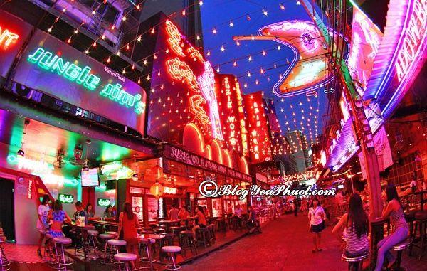 Nơi náo nhiệt nhất của khu Sukhumvit: Địa chỉ vui chơi về đêm nổi tiếng ở Sukhumvit, Bangkok