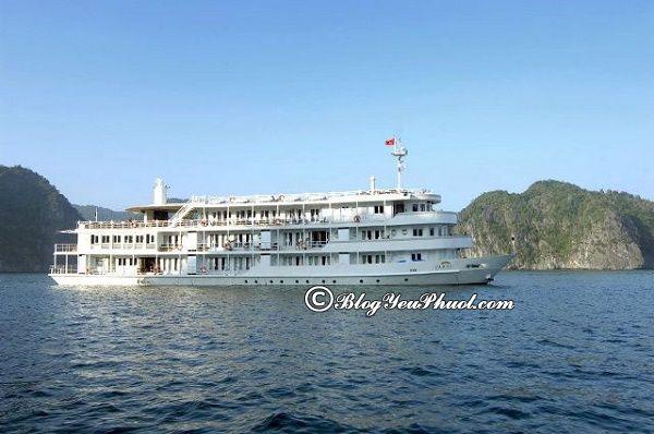 Du thuyền trên vịnh Hạ Long độc đáo nhất: Du lịch vịnh Hạ Long bằng du thuyền nào đẹp, tiện nghi, thân thiện?
