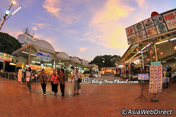 Nhà hàng nổi tiếng ở khu Chiang Mai Night Bazaar: Địa chỉ ăn uống ngon, bổ, rẻ ở Chiang Mai Night Bazaar