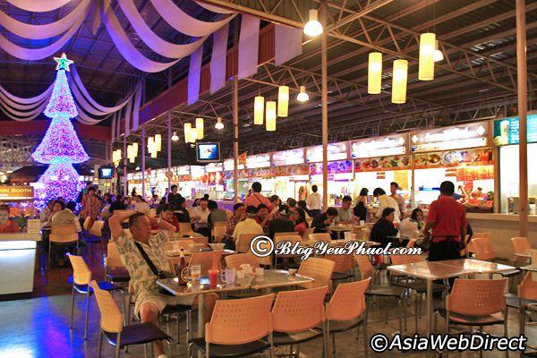 Nhà hàng ngon nổi tiếng ở Chiang Mai Night Bazaar: Địa điểm ăn uống giá bình dân ở Chiang Mai Night Bazaar
