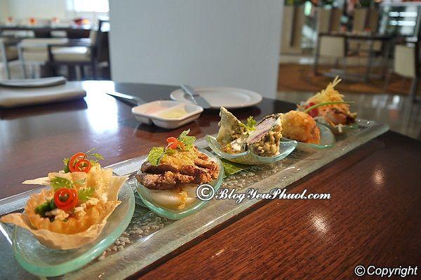 Nhà hàng hấp dẫn ở Chiang Mai Night Bazaar: Ăn ở đâu Chiang Mai Night Bazaar?
