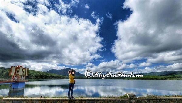 Hồ Tuyền Lâm - điểm chụp ảnh lãng mạn Đà Lạt: Đi đâu chụp hình khi du lịch Đà Lạt?