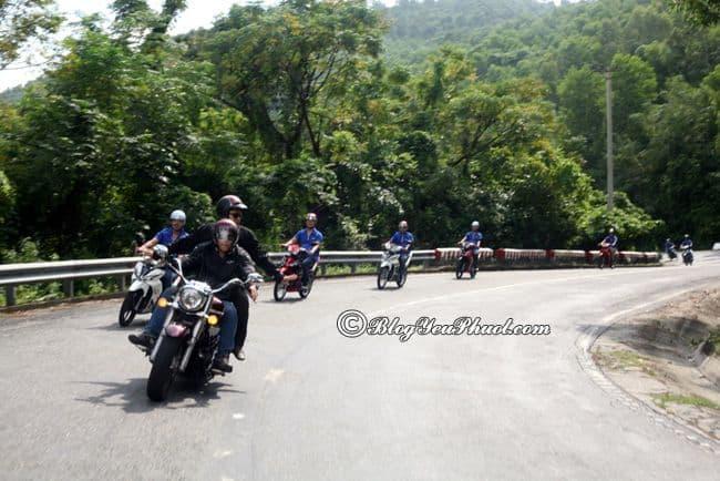 Mẹo vượt đèo bằng xe máy an toàn: Kinh nghiệm chinh phục đèo dốc hiểm trở bằng xe máy thuận lợi