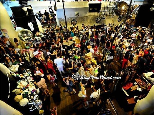 Những khu chợ mua sắm nổi tiếng ở Singapore: Nên đi chơi chợ nào khi tới Singapore du lịch?