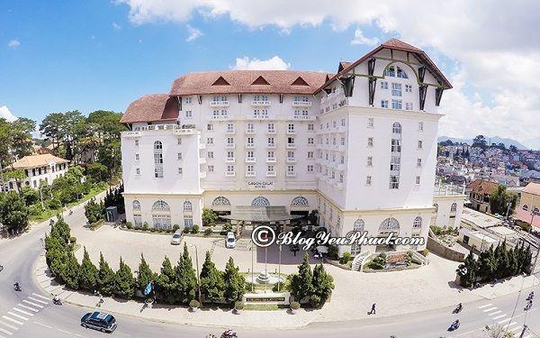 So sánh Ngọc Lan Đà Lạt với những khách sạn 4 sao khác: Nhận xét phòng ốc, tiện nghi, chất lượng của khách sạn Ngọc Lan Nha Trang