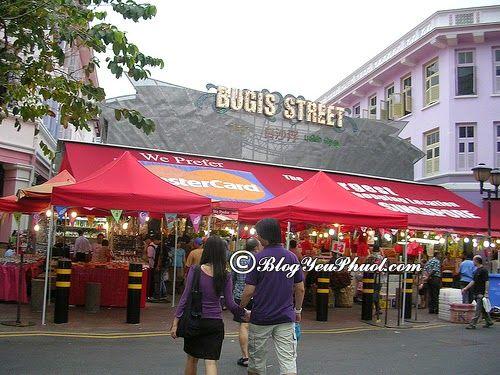 Bugis Street – Mua sắm nổi tiếng hàng đầu Singapore: Nên đi đâu mua sắm khi du lịch Singapore?