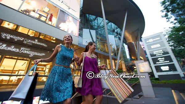 Takashimaya – điểm mua sắm sầm uất tại Singapore: Du lịch Singapore đi đâu mua sắm?
