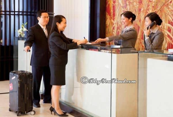Review chất lượng phục vụ, nhân viên khách sạn Novotel Hạ Long Bay: Có nên đặt phòng khách sạn Novotel Hạ Long Bay hay không?