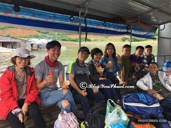 Thuyền ra Hồ Tà Đùng: Thuyền tham quan hồ Tà Đùng giá vé bao nhiêu?