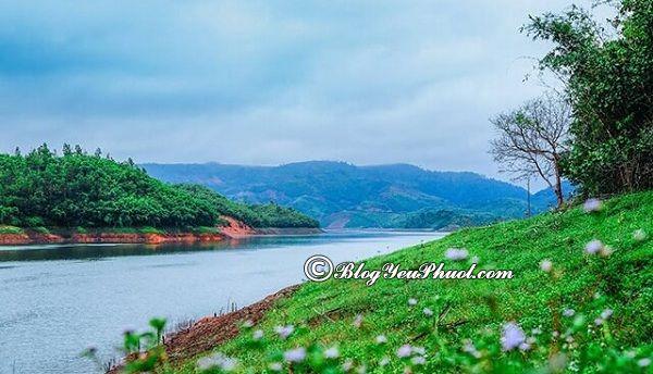 Hướng dẫn lịch trình du lịch hồ Tà Đùng: Kinh nghiệm tham quan, vui chơi khi phượt hồ Tà Đùng
