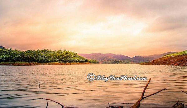 Kinh nghiệm du lịch hồ Tà Đùng: Danh lam thắng cảnh đẹp, nổi tiếng ở hồ Tà Đùng