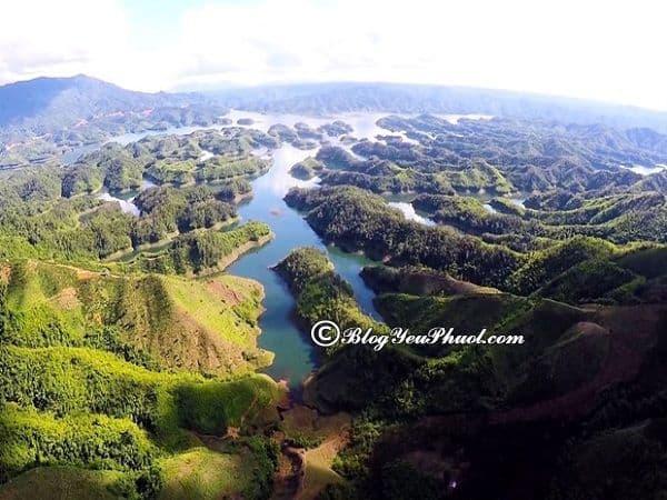 Kinh nghiệm du lịch Hồ Tà Đùng 3 ngày 2 đêm kèm chi phí: Hướng dẫn lịch trình tham quan, vui chơi khi du lịch hồ Tà Đùng