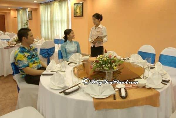 Đánh giá nhà hàng, đồ ăn khách sạn Mithrin Hạ Long: Có nên đặt phòng khách sạn Mithrin Hạ Long hay không?