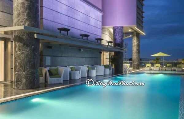 Có nên ở khách sạn Pullman Saigon Centre này không? Khách sạn Pullman Sài Gòn Centre có bể bơi không?