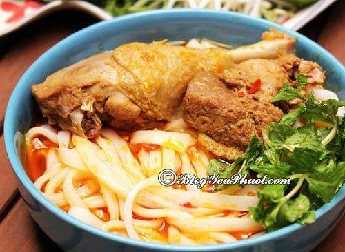 Ăn mì quảng ở đâu ngon khi du lịch Phan Thiết? Địa điểm ăn uống ngon, nổi tiếng ở Phan Thiết
