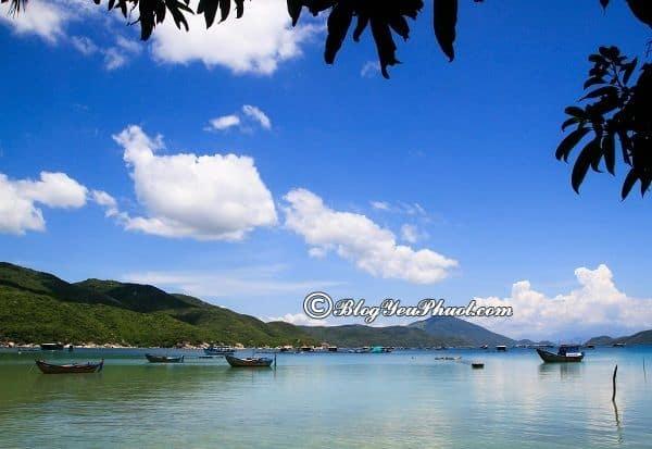 Địa điểm phượt nổi tiếng ở Nha Trang: Nên đi đâu chơi, tham quan, ngắm cảnh, chụp ảnh khi du lịch Nha Trang?