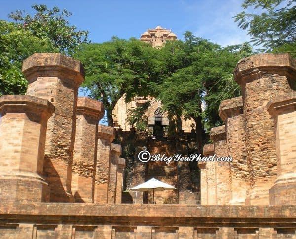 Du lịch tháp bà Ponagar có gì vui, thú vị? Thông tin chi tiết về tháp bà Ponagar