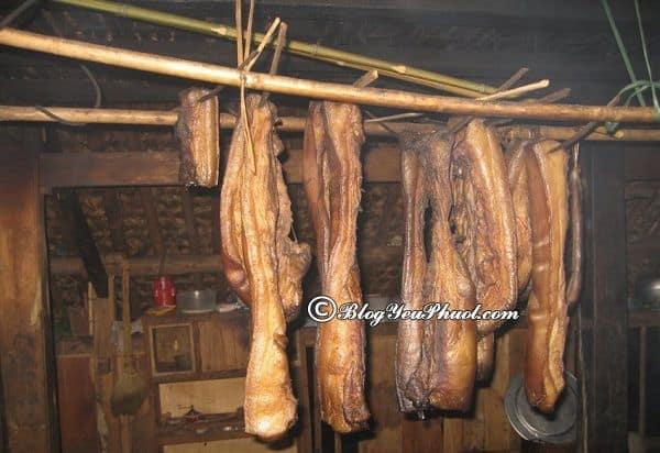 Du lịch Lai Châu nên ăn món gì? Đặc sản thịt gác bếp ở Lai Châu