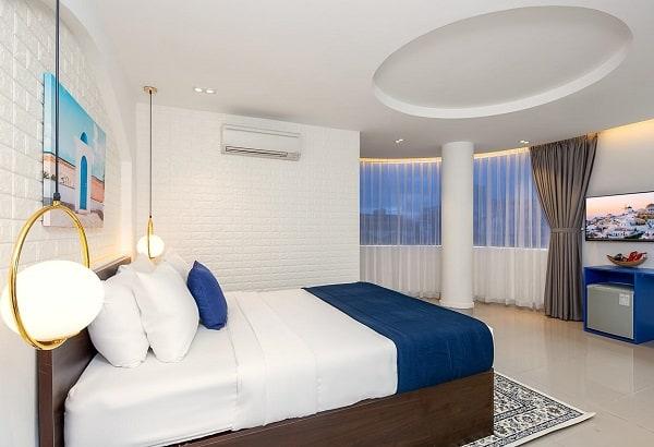 Du lịch Đà Nẵng ở khách sạn gần biển hay trung tâm? Nên ở khách sạn gần biển hay trung tâm thành phố Đà Nẵng?