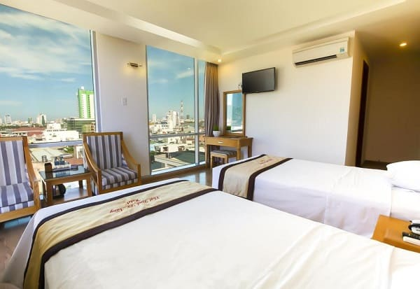 Du lịch Đà Nẵng ở khách sạn gần biển hay trung tâm tốt nhất? Nên ở khách sạn gần biển hay trung tâm thành phố Đà Nẵng?
